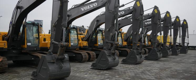 leasing heavy machinery and construction equipment