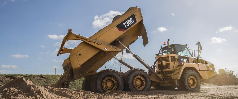 New and used heavy machinery and construction equipment, worldwide delivery!