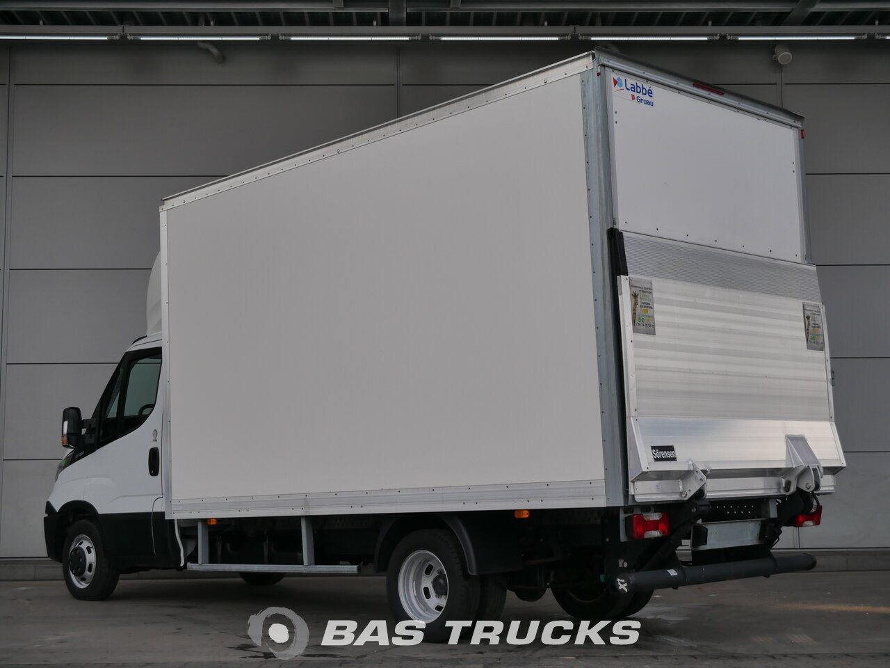 iveco daily leichte nutzfahrzeuge 0 25900bas trucks. Black Bedroom Furniture Sets. Home Design Ideas