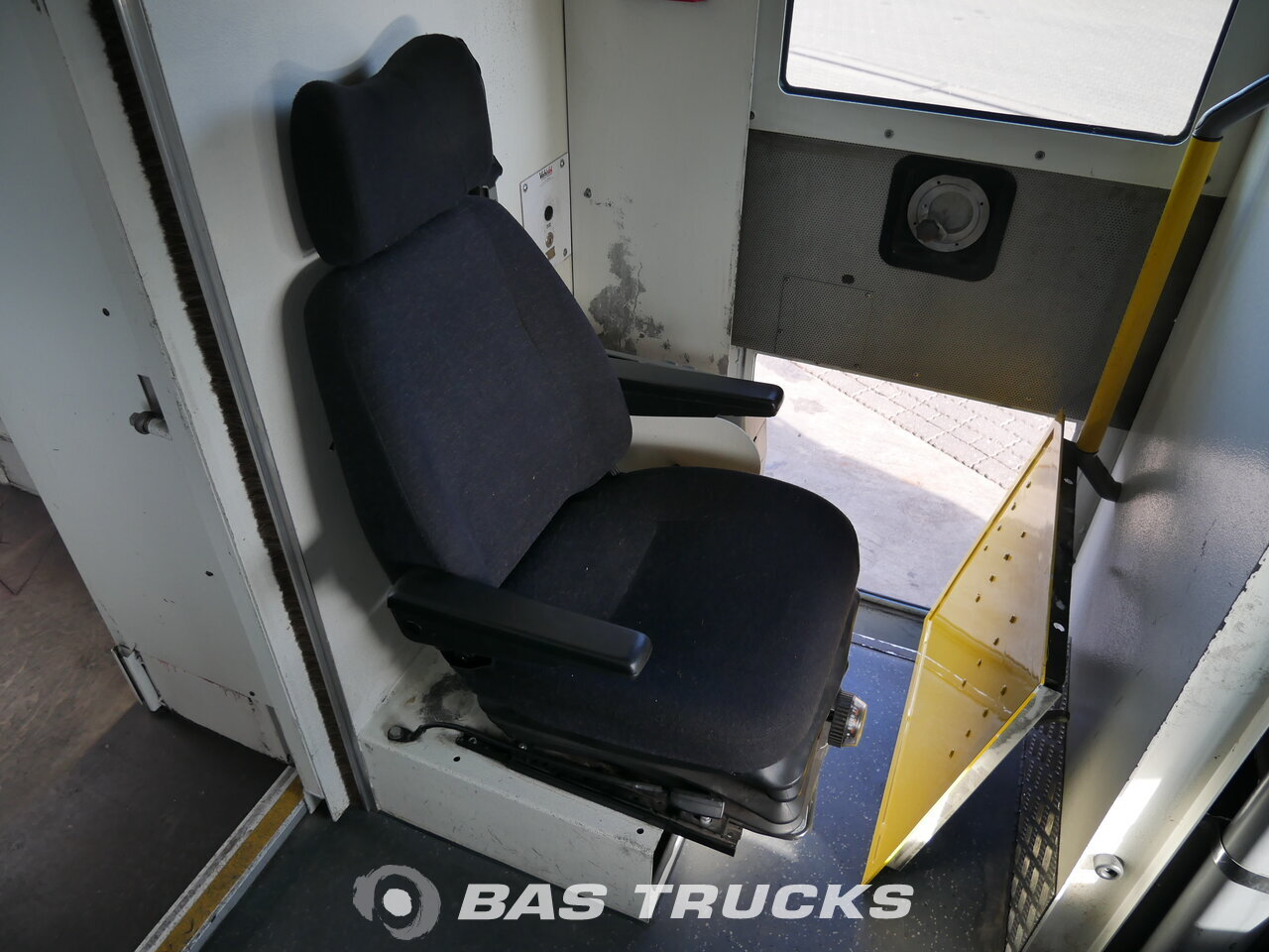 Foto van Gebruikt Bakwagen Mercedes 813D Vario 4X2 2008