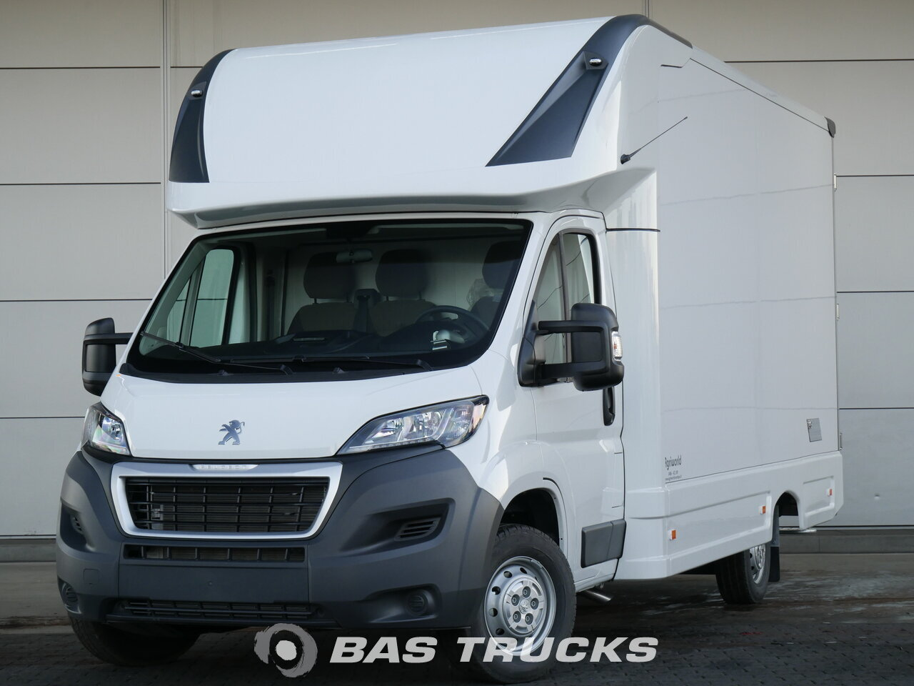 photo of New Light commercial vehicle Peugeot Boxer