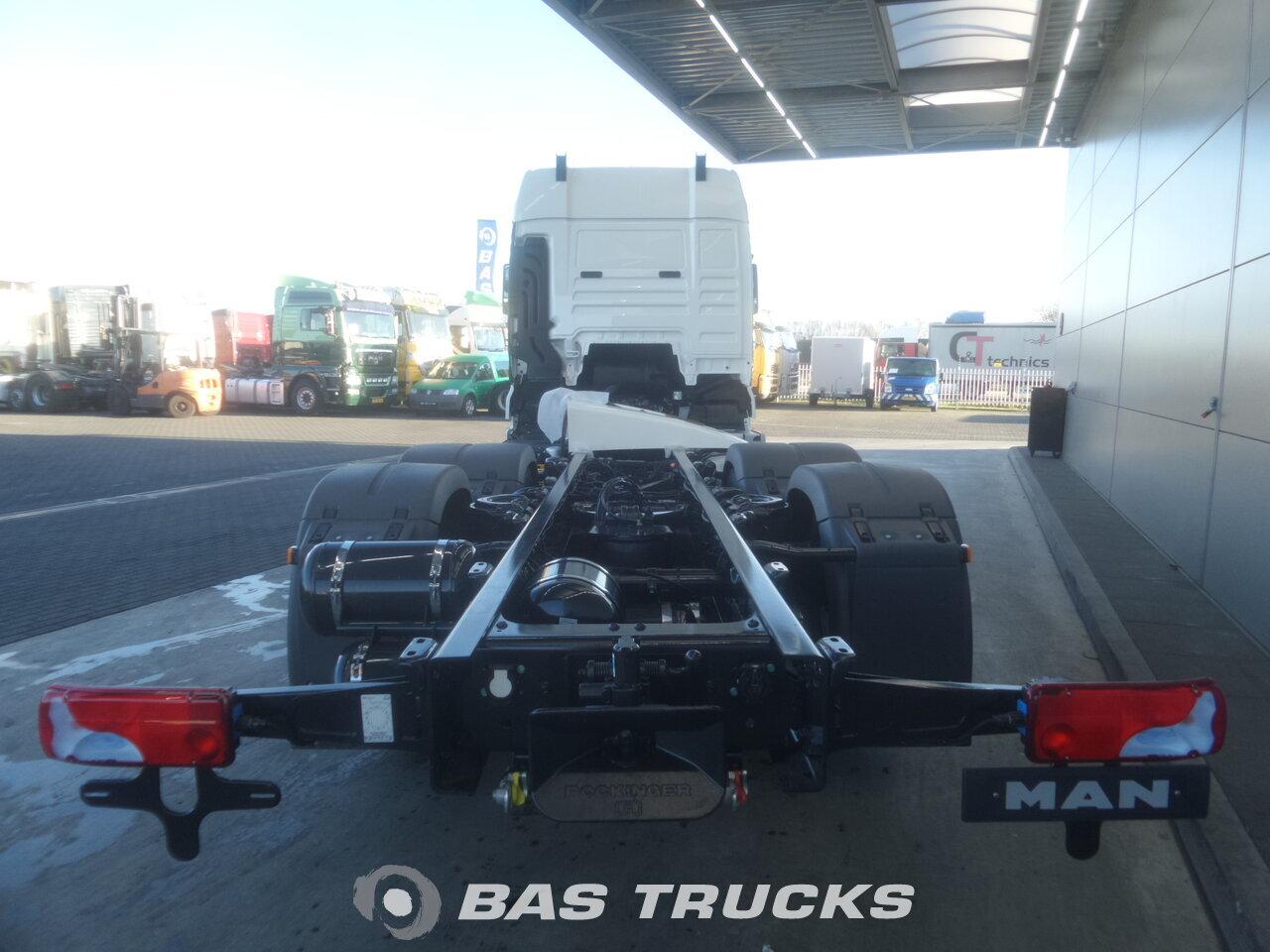 photo de Nouveau Camion MAN TGX 26.480 XLX 6X2