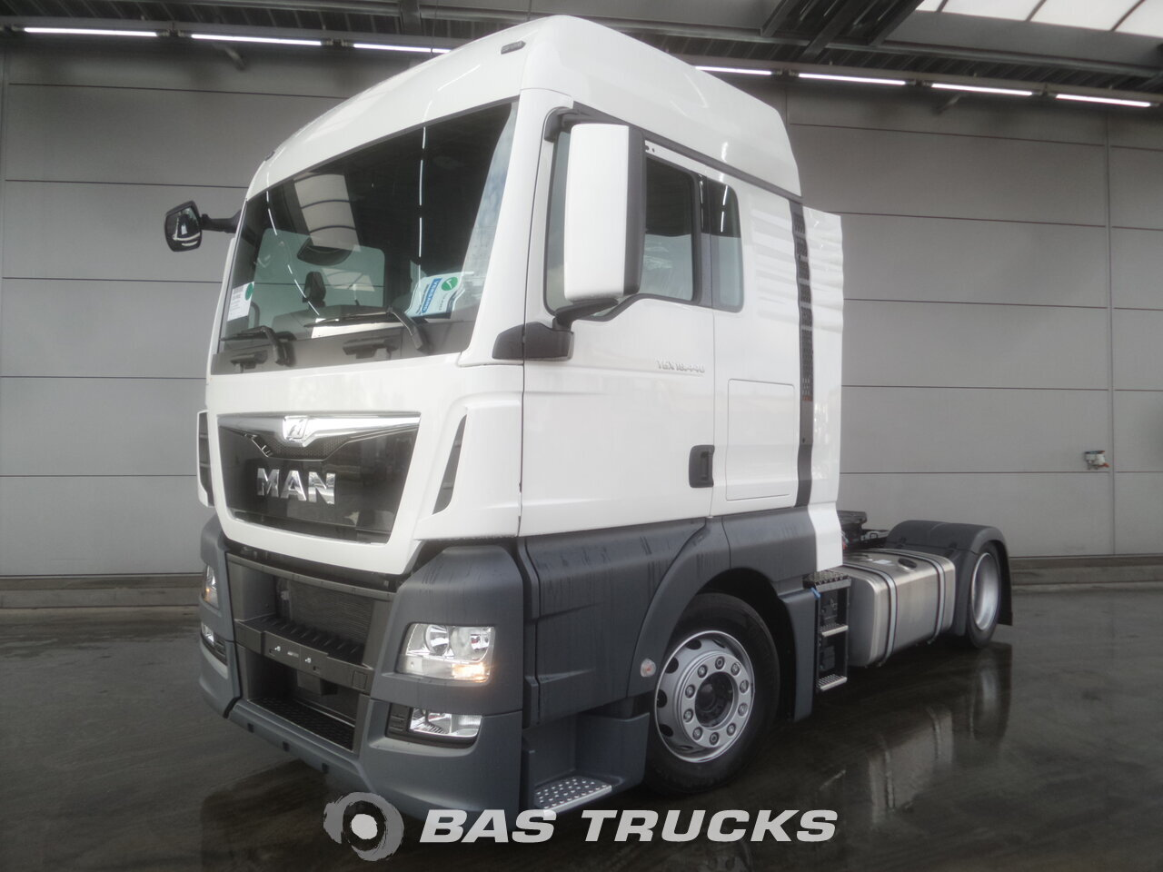 photo de Nouveau Tracteur MAN TGX 18.440 XLX LLS-U 4X2