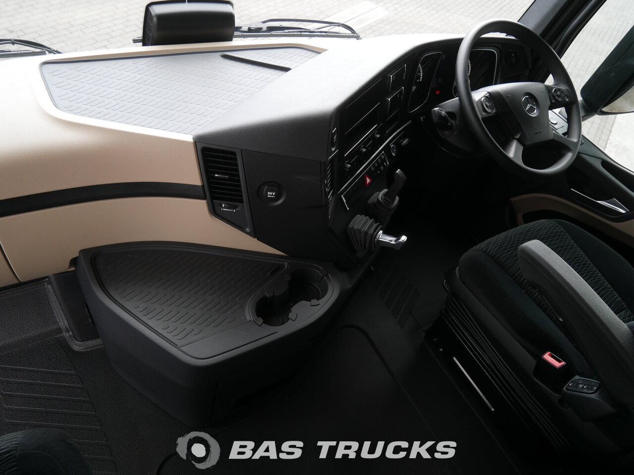 Fénykép: Novo Tegljač Mercedes Actros 2658 LS Unfall Fahrbahr RHD 6X4