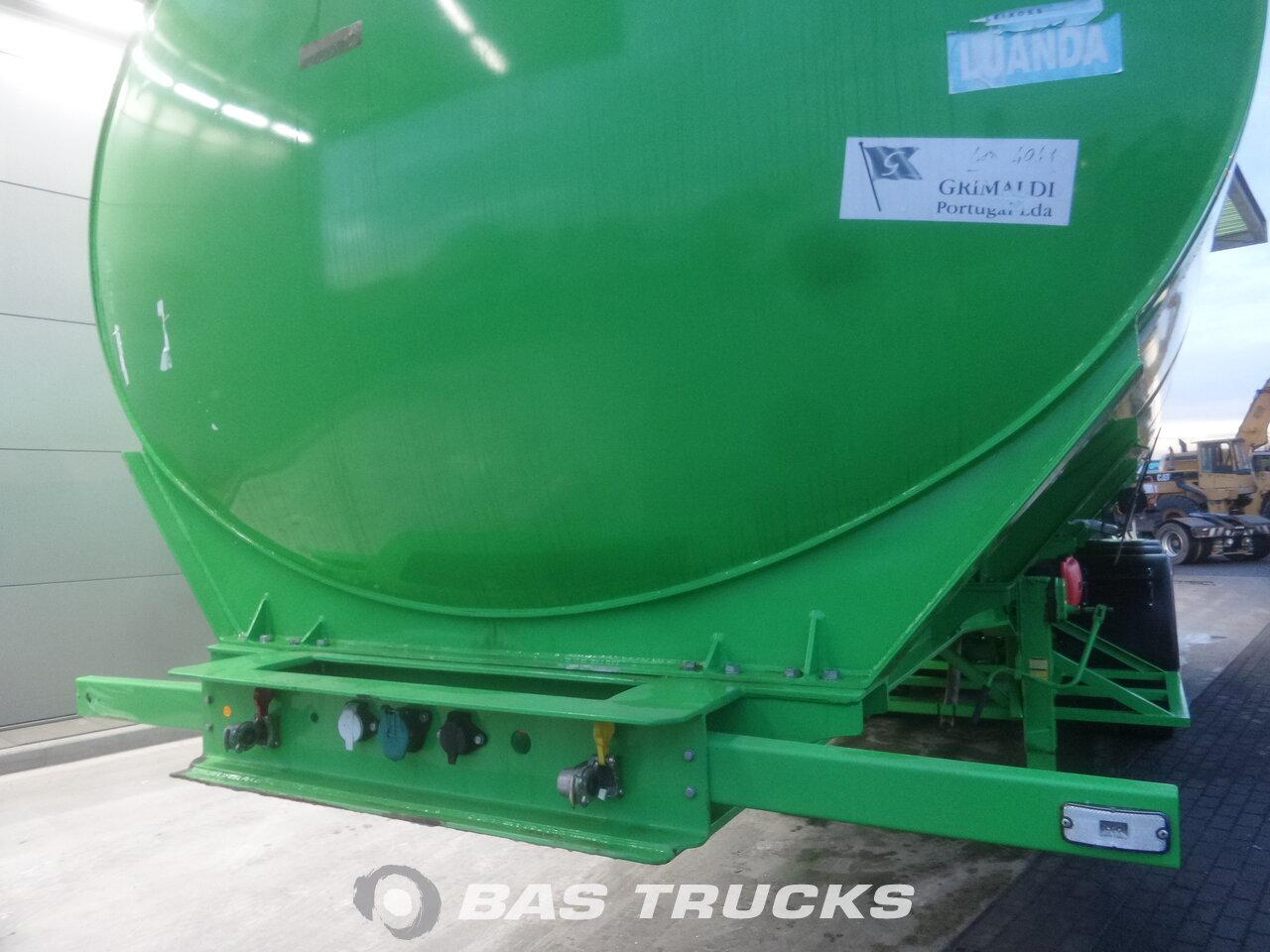 foto de Nuevo Semirremolque Joluso NEW UNUSED! 35.000 Ltr / 2 / Fueltank SXCI 3DPB 105 00 3 Ejes