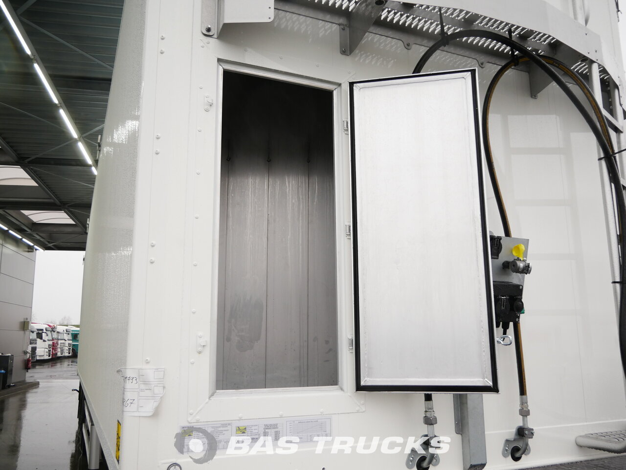 foto de Nuevo Semirremolque Kraker CF-BEST 92m3 10mm Floor Liftachse SAF 3 Ejes