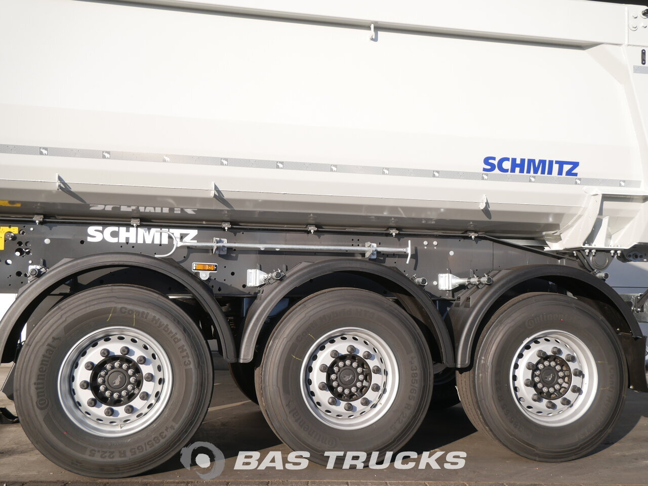foto de Nuevo Semirremolque Schmitz NEU 24m3 Stahl Liftachse SGF*S3 Ejes