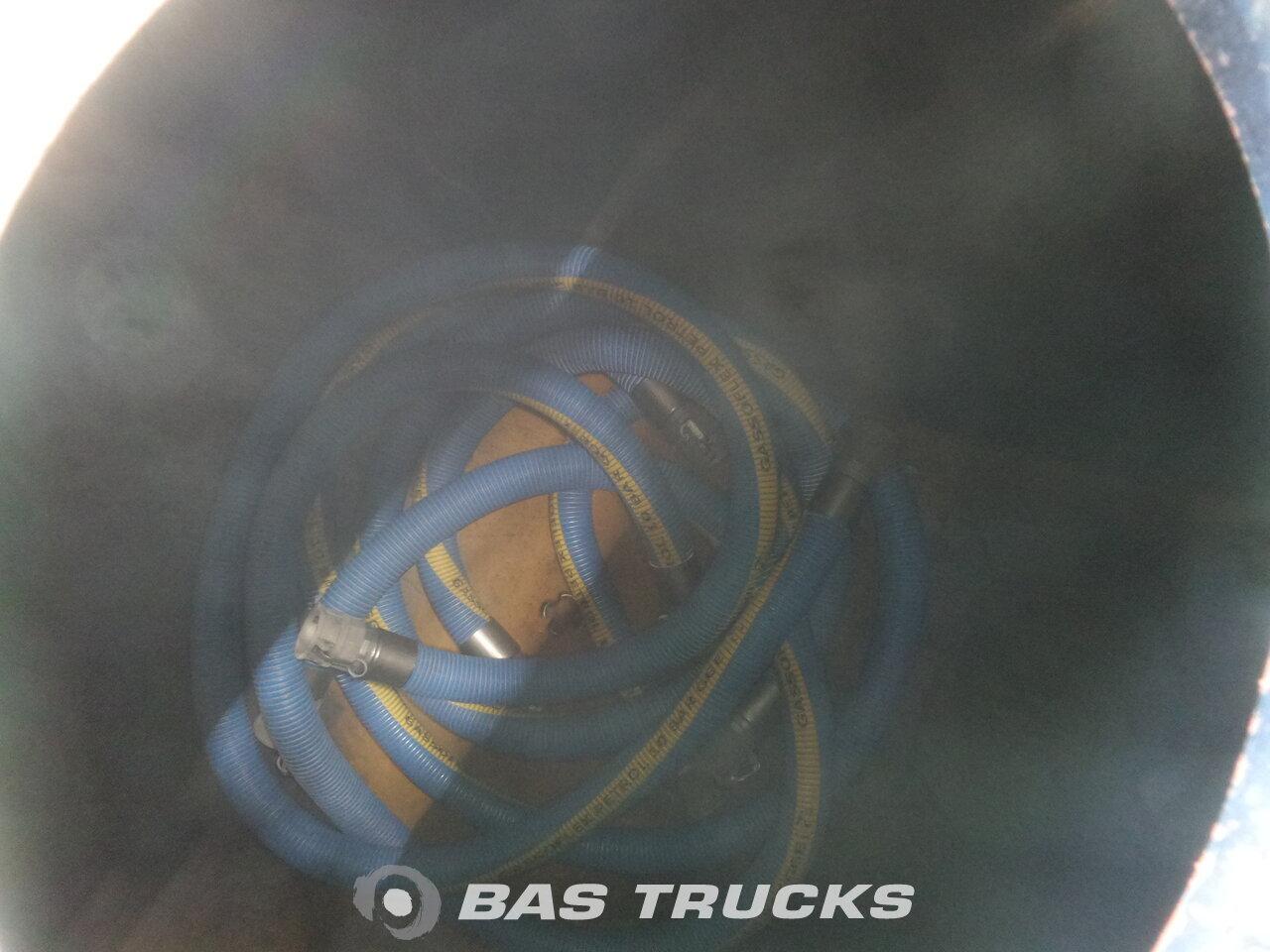 foto di Nuovo Semirimorchio Joluso NEW UNUSED! 35.000 Ltr / 2 / Fueltank SXCI 3DPB 105 00 3 assi