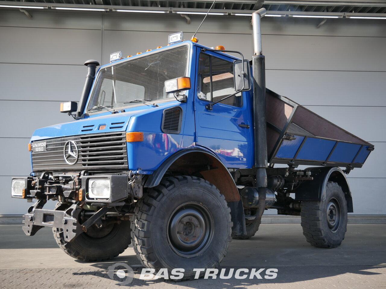 mercedes unimog u1250 camion 13600 bas trucks. Black Bedroom Furniture Sets. Home Design Ideas