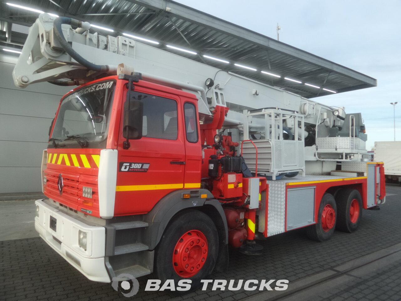 renault g300 camion 46200 bas trucks. Black Bedroom Furniture Sets. Home Design Ideas