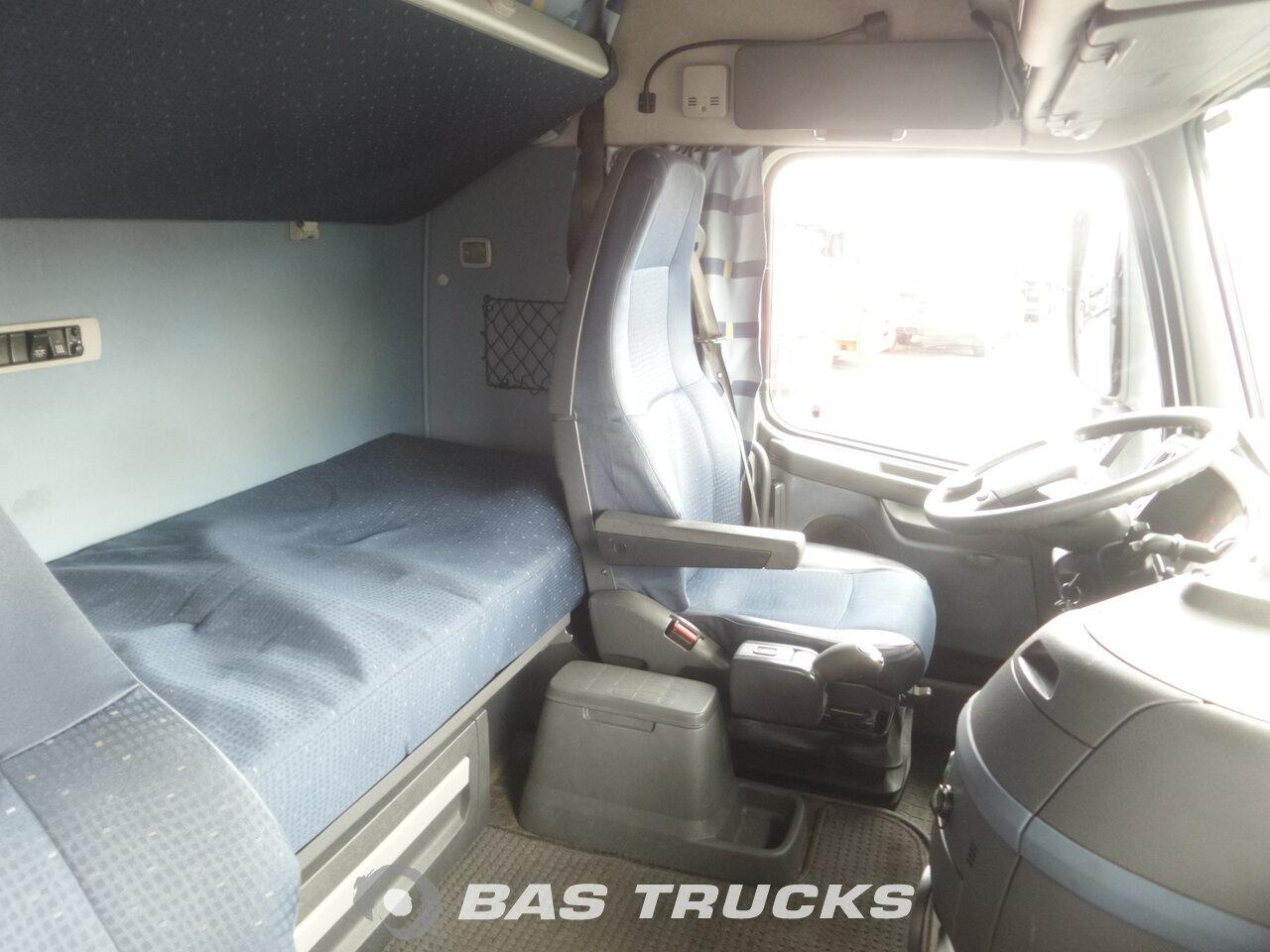 photo de Occasion Camion + Remorque Volvo FH 440 6X2 2008