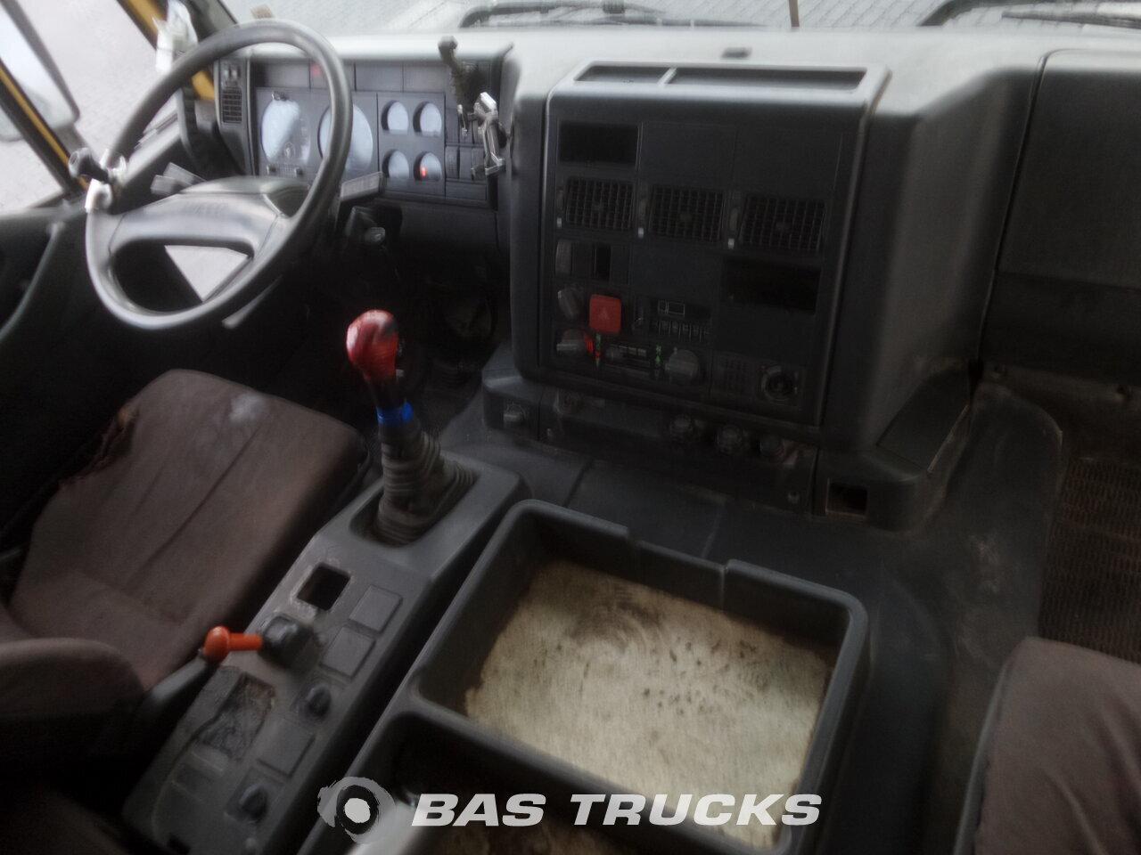 photo de Occasion Camion IVECO Eurotrakker 260EH 420 6X4 1999