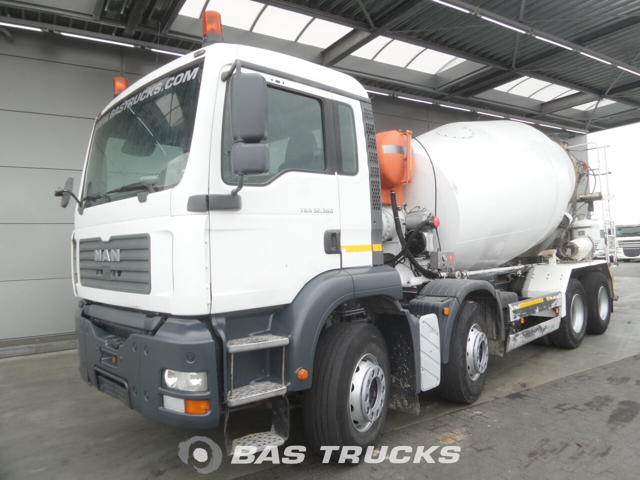 photo de Occasion Camion MAN TGA 32.360 M 8X4 2005