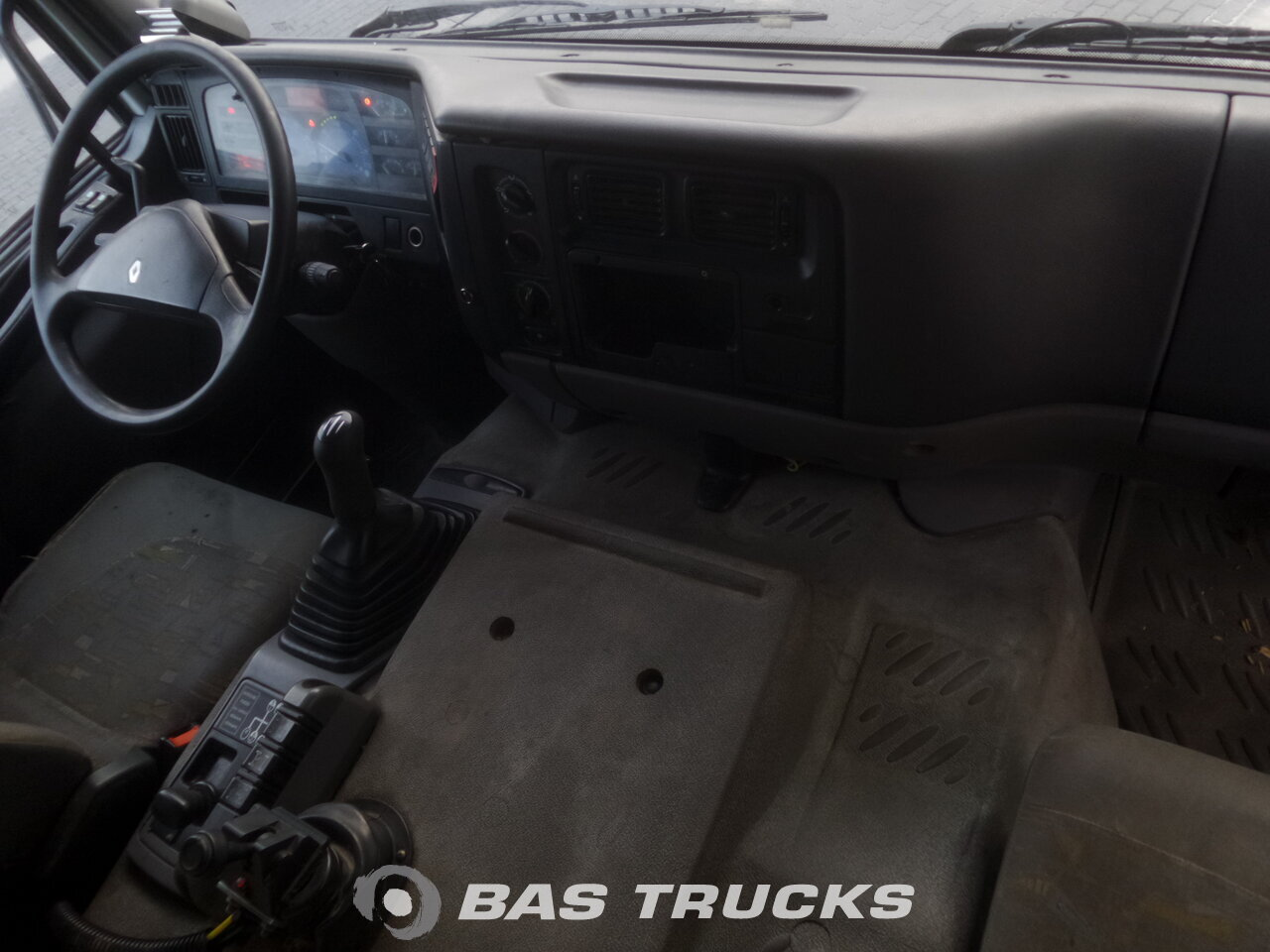 photo de Occasion Camion Renault Kerax 420 8X4 2002