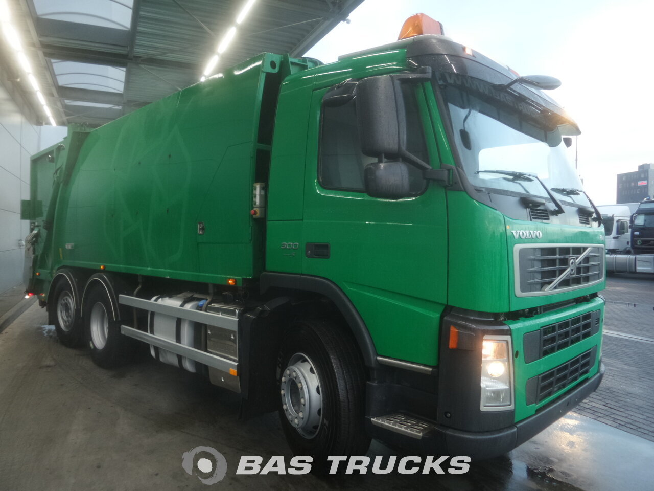 photo de Occasion Camion Volvo FM 300 6X2 2006