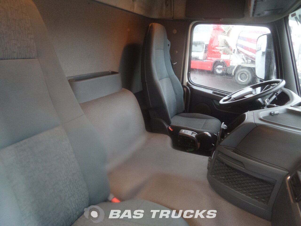 photo de Occasion Camion Volvo FM 330 6X2 2012