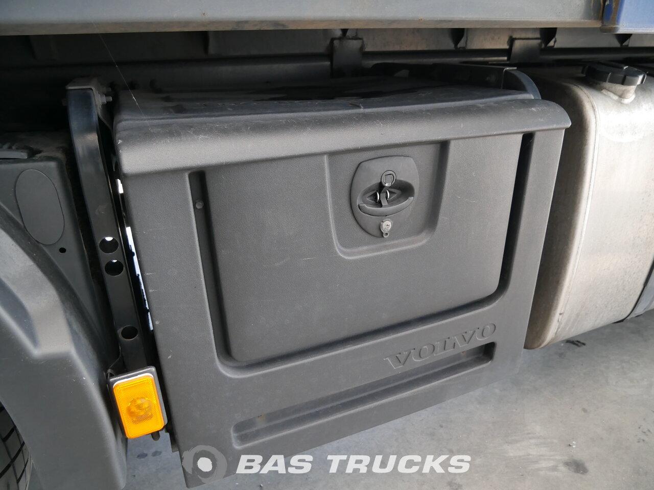 photo de Occasion Camion Volvo FM 410 Unfall Fahrbereit 6X2 2011