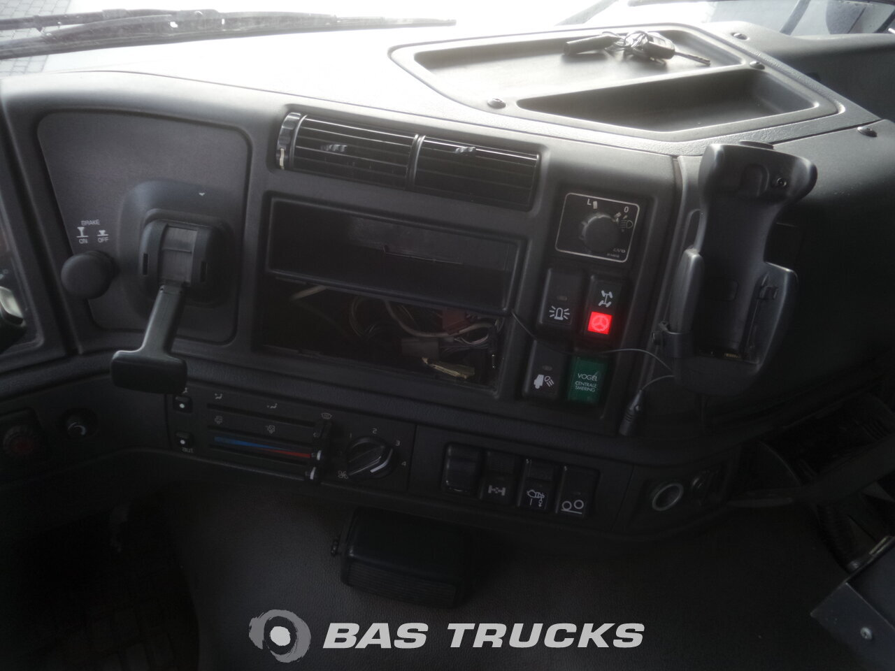 photo de Occasion Camion Volvo FM12 340 8X2 2001