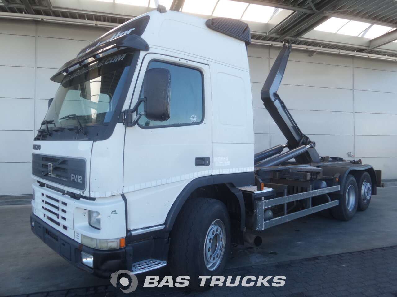 photo de Occasion Camion Volvo FM12 420 6X2 2001
