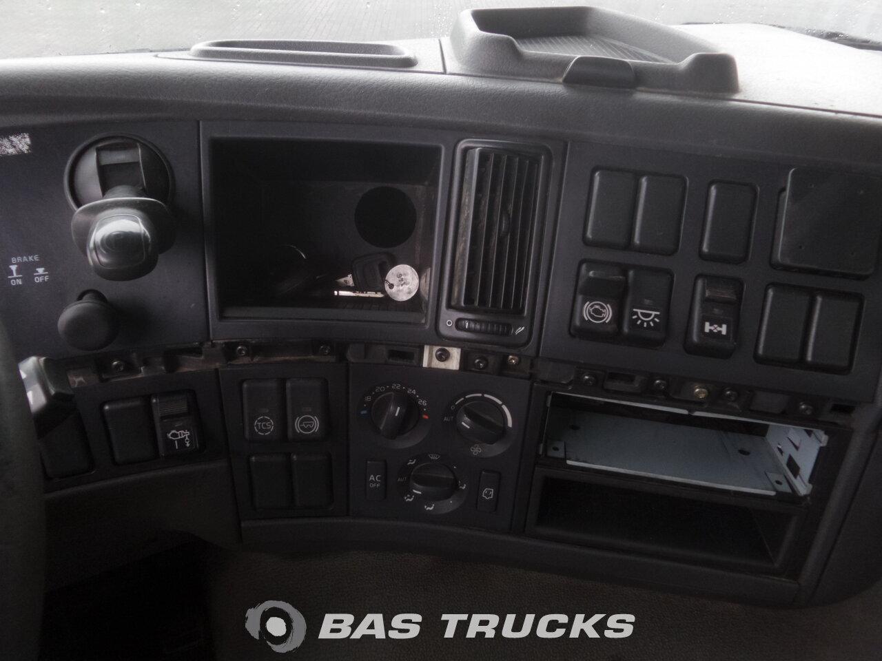photo de Occasion Camion Volvo FM9 300 Unfall Fahrbereit 4X2 2007