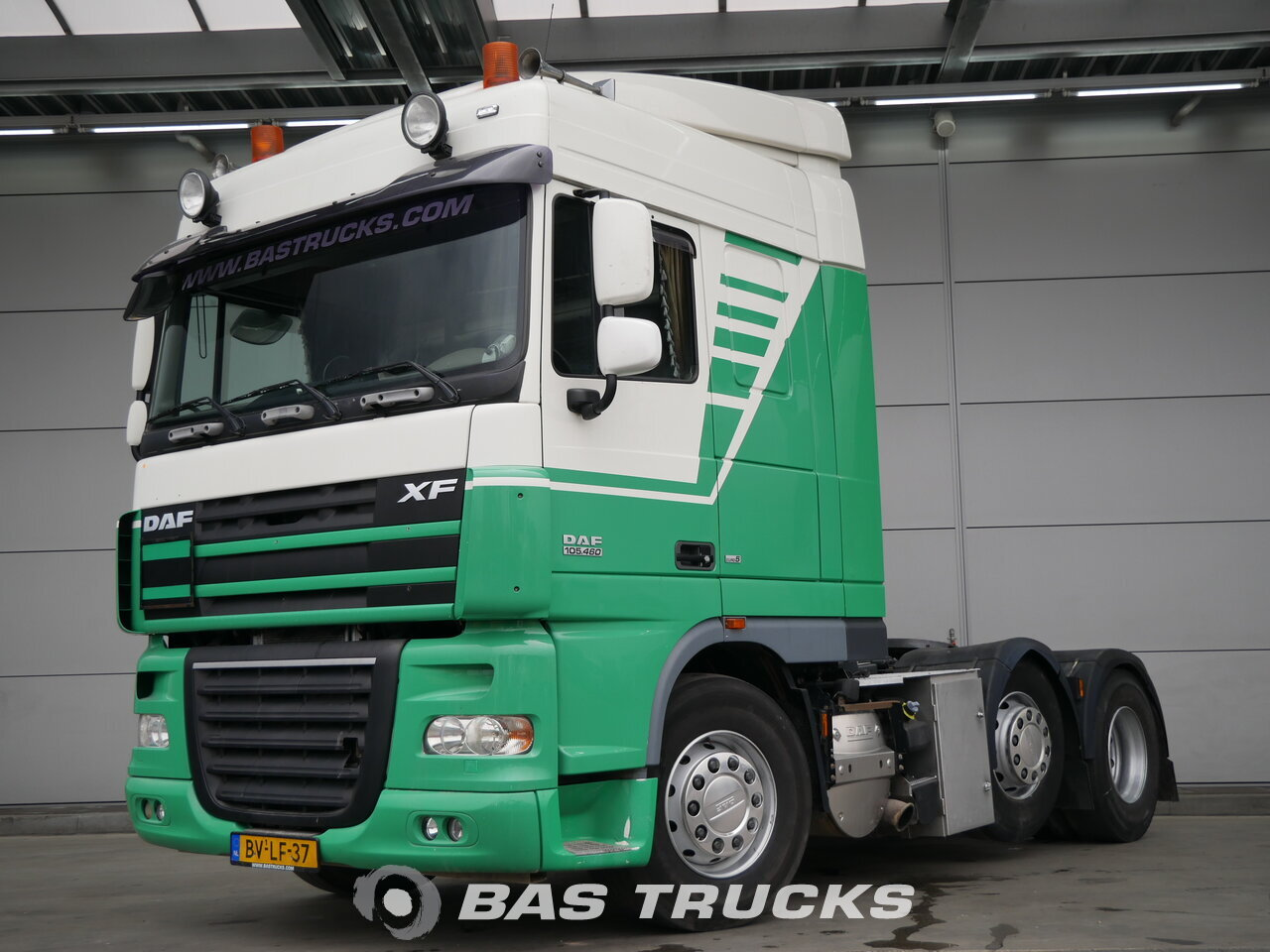 photo de Occasion Tracteur DAF XF105.460 6X2 2008