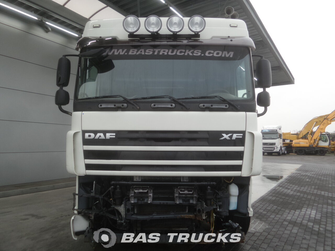 photo de Occasion Tracteur DAF XF105.460 Unfall Fahrbereit 4X2 2009