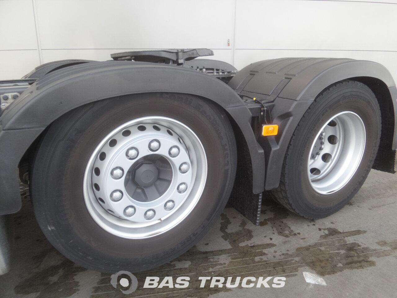 photo de Occasion Tracteur Volvo FH 460 Unfall Fahrbereit Motor & Getriebe OK 6X2 2015