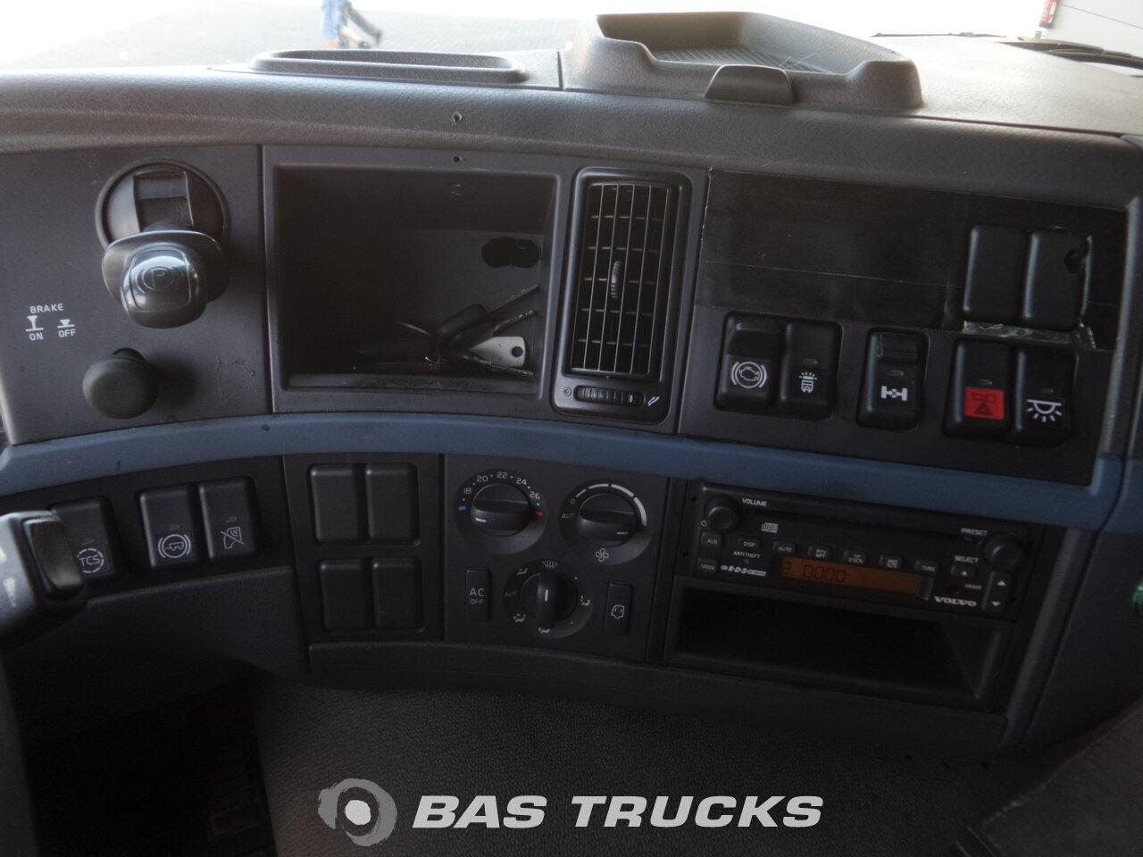 photo de Occasion Tracteur Volvo FM 300 4X2 2006