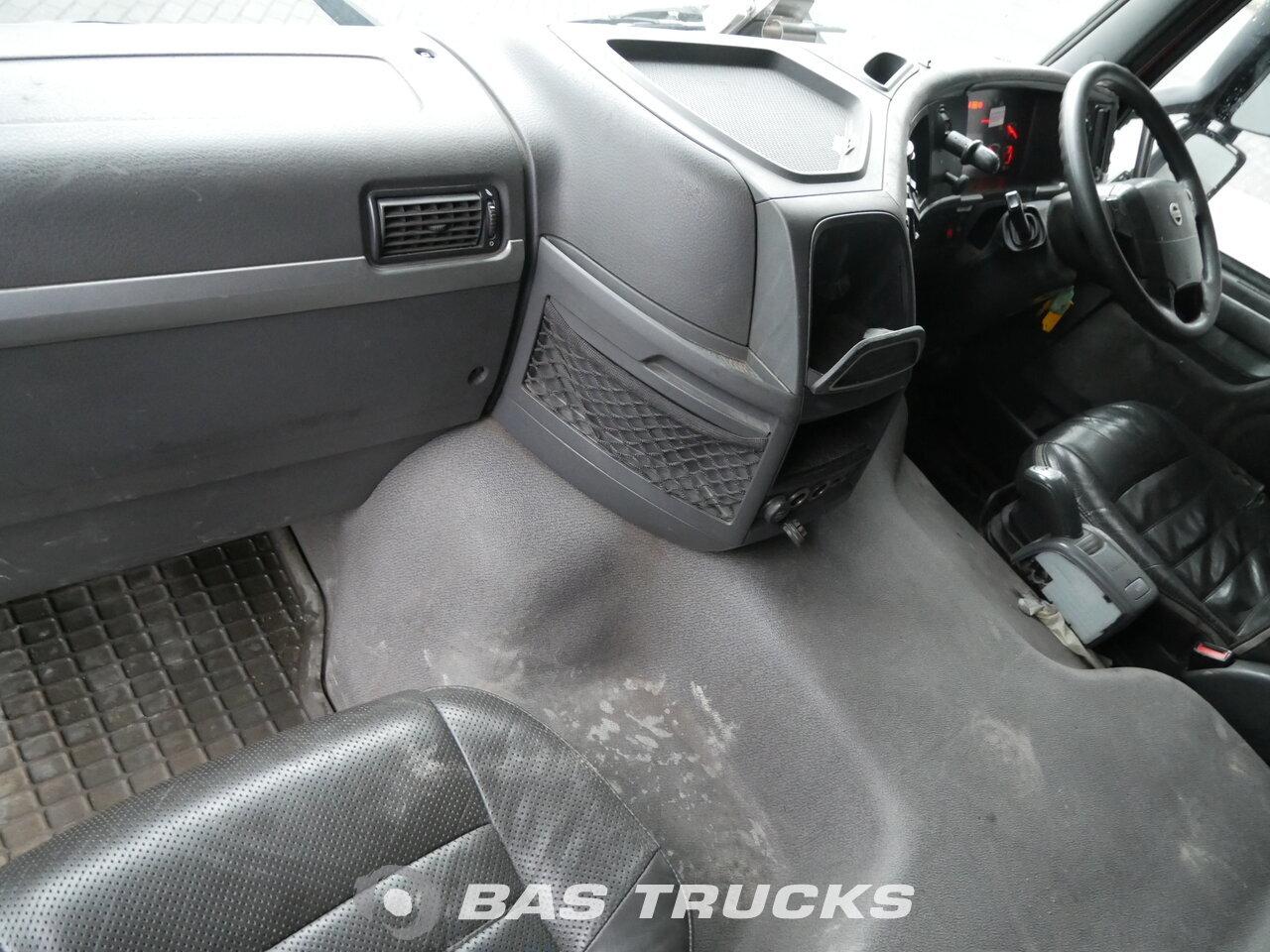photo de Occasion Tracteur Volvo FM 430 RHD Unfall Fahrbereit 6X2 2009