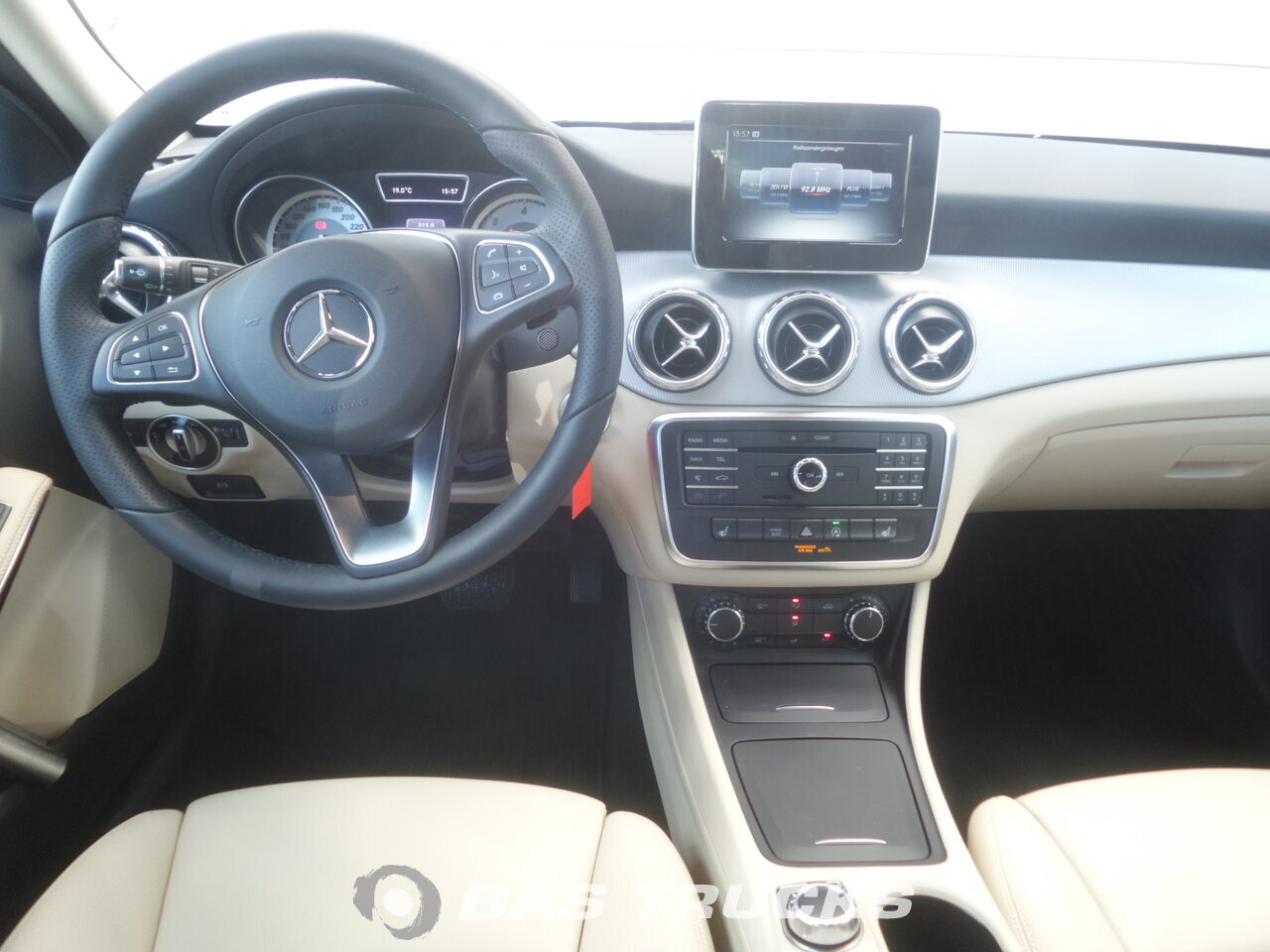 photo de Occasion Voiture Mercedes-Benz GLA 180 CDI 2016