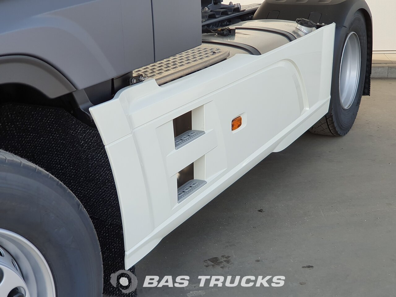 foto de Usado Cabeza tractora DAF XF 4X2 2021
