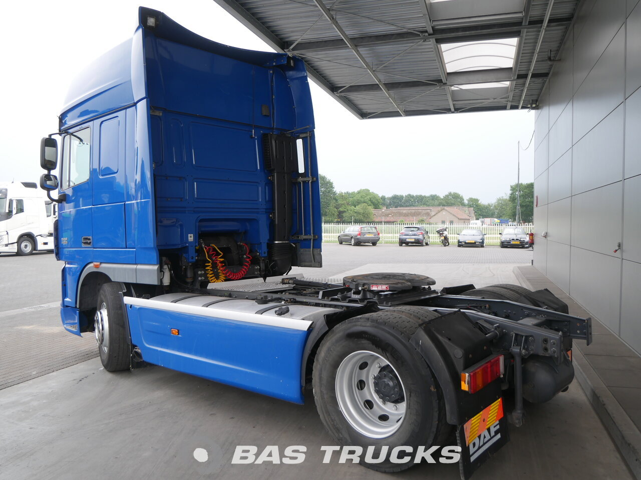 foto de Usado Cabeza tractora DAF XF105.460 4X2 2012