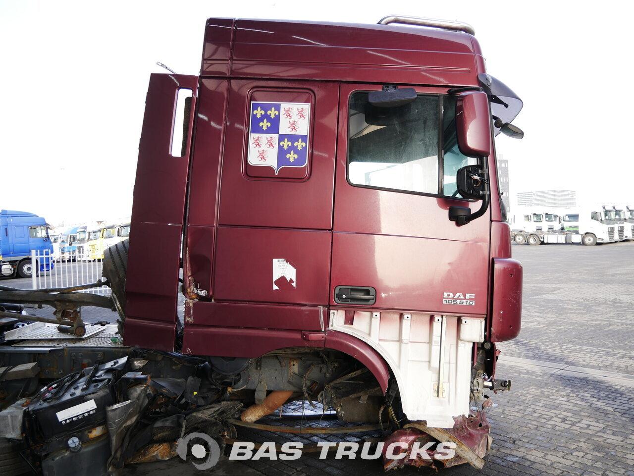 foto de Usado Cabeza tractora DAF XF105.510 Unfall 4X2 2011