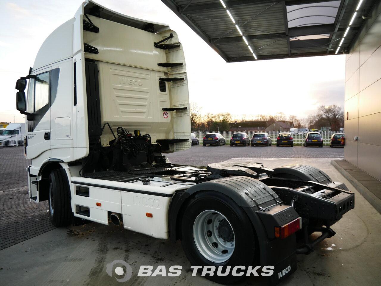 foto de Usado Cabeza tractora IVECO AS440S50 500HP HI-Way EcoStralis 4X2 2013