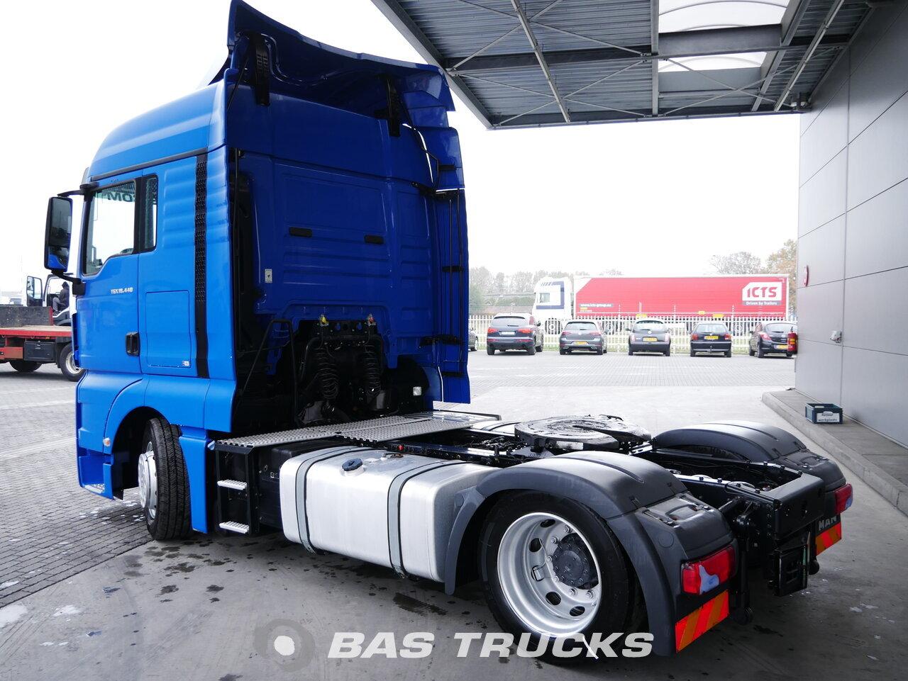 foto de Usado Cabeza tractora MAN TGX 18.440 XLX 4X2 2015