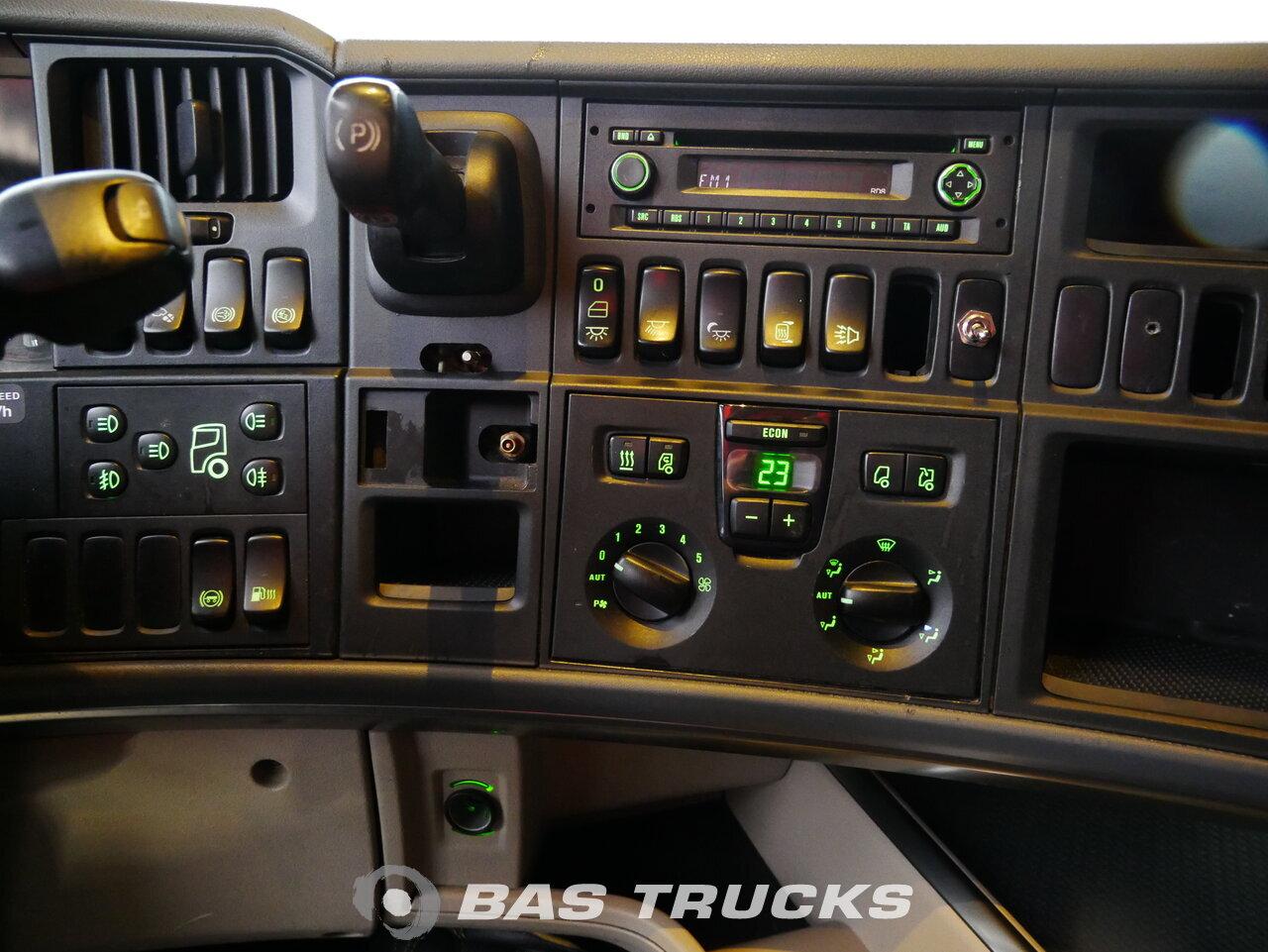foto de Usado Cabeza tractora Scania R440 4X2 2010