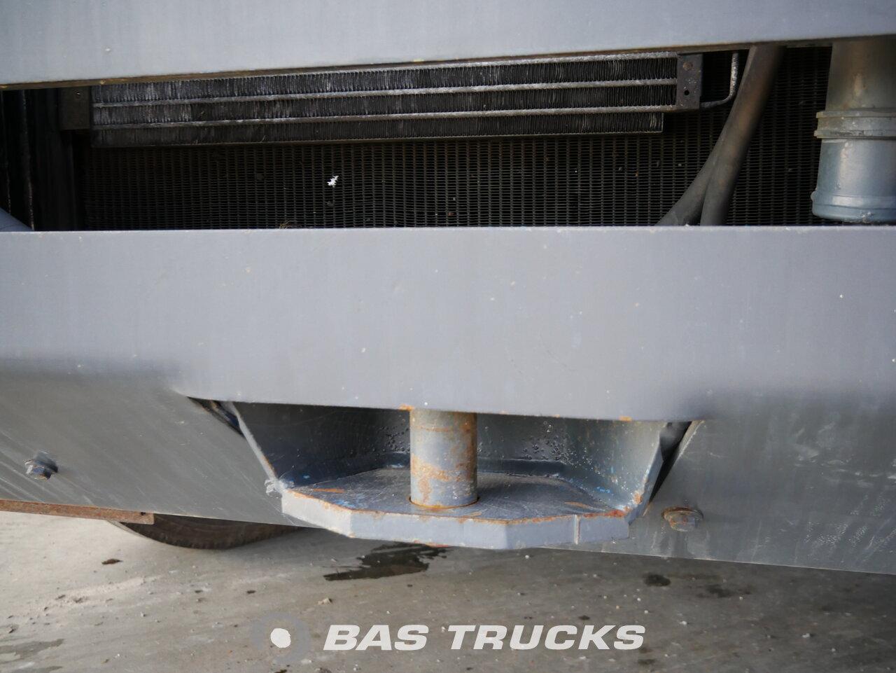 foto de Usado Cabeza tractora Sisu TT-161 A2 L2 C8 4X2 1996