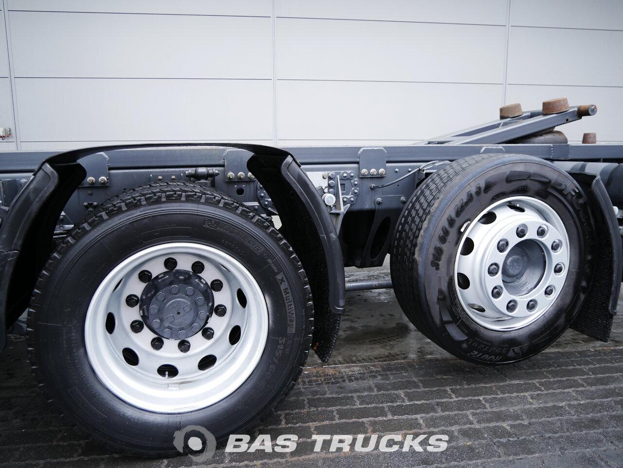 foto de Usado Camiones DAF XF 440 6X2 2015