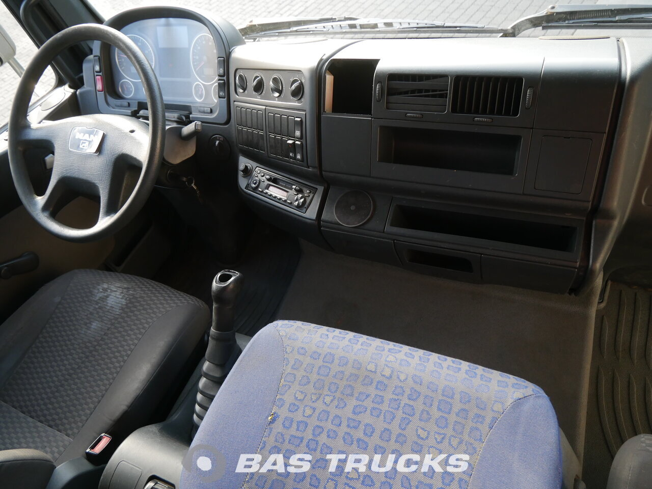 foto de Usado Camiones MAN TGL 12.210 C 4X2 2007