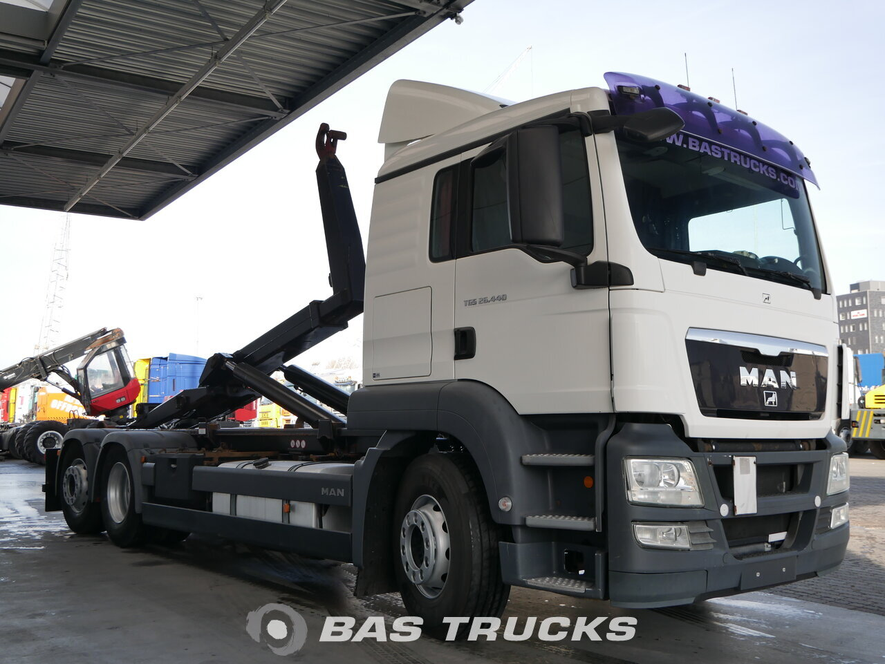 foto de Usado Camiones MAN TGS 26.440 L 6X2 2008