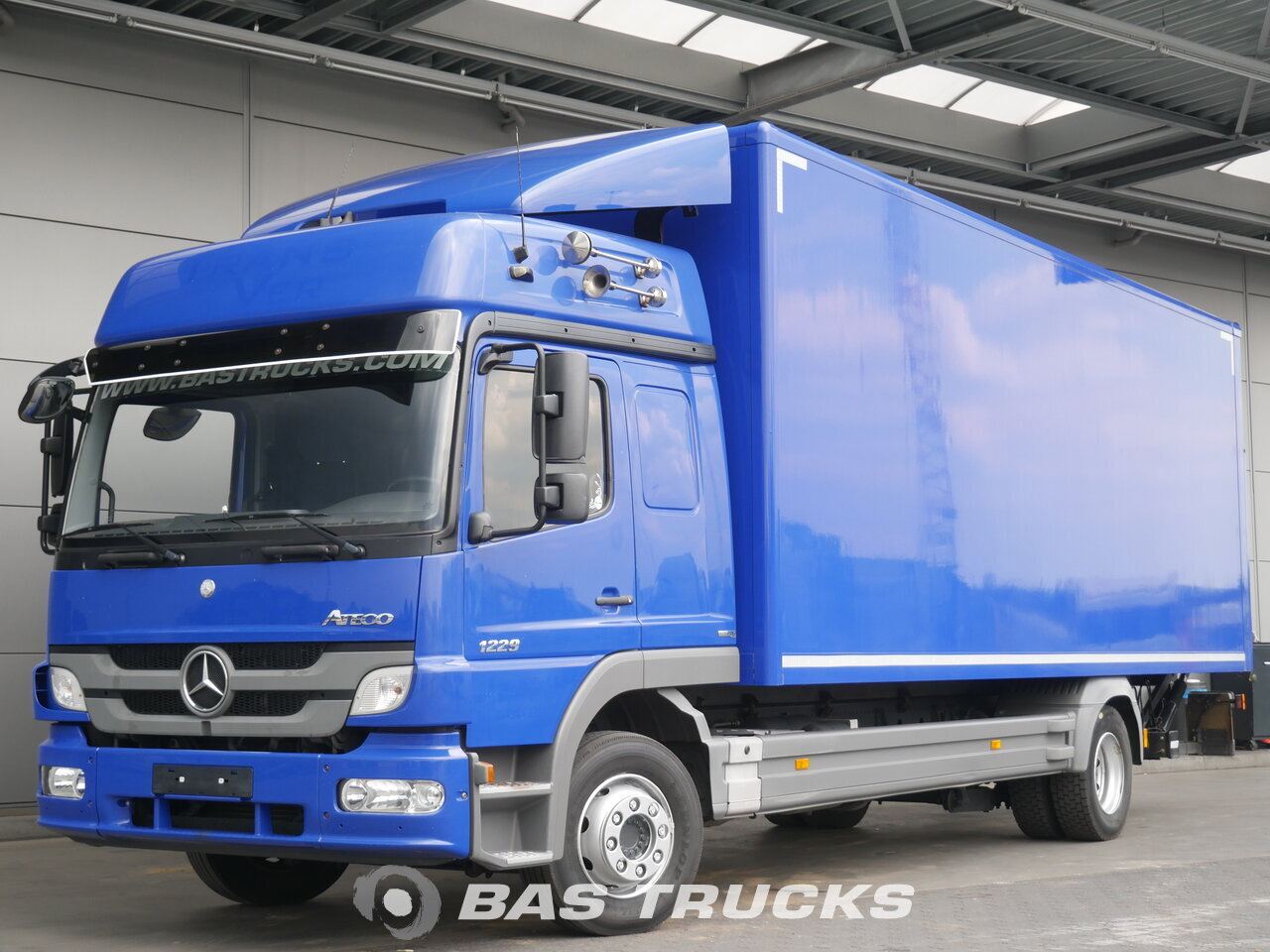 foto de Usado Camiones Mercedes Atego 1229 LS 4X2 2013