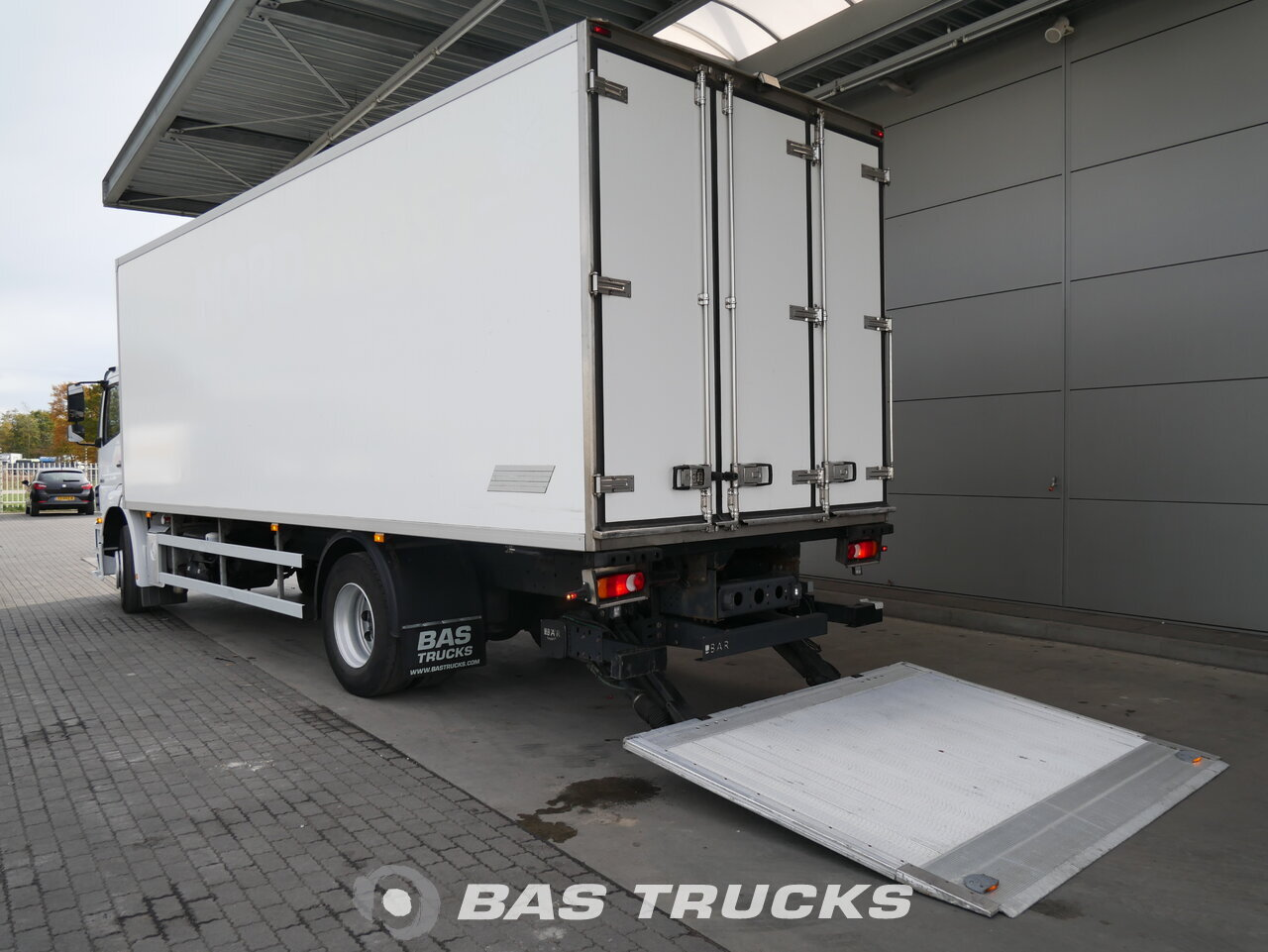 foto de Usado Camiones Mercedes Axor 1824 L 4X2 2013