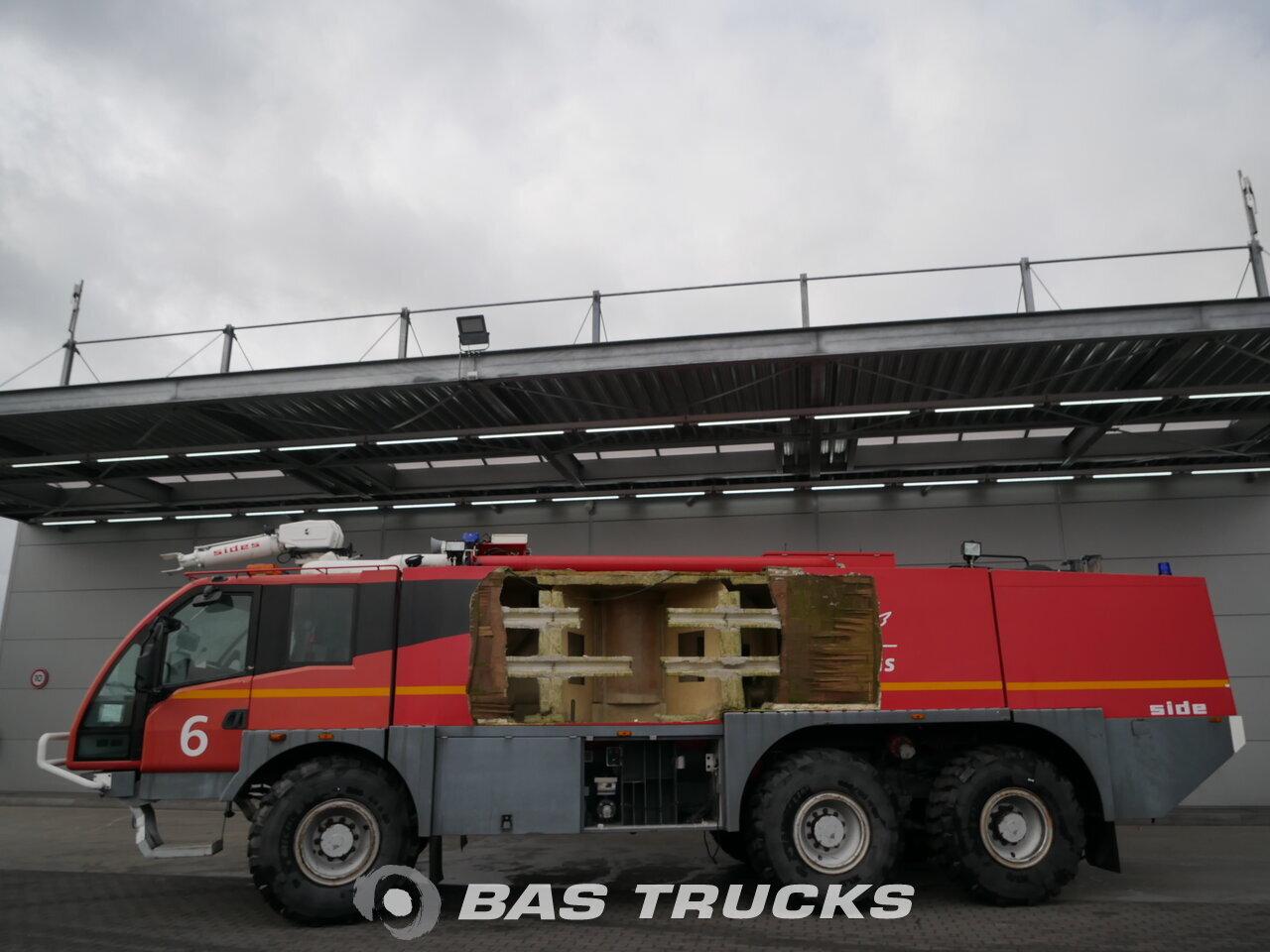 foto de Usado Camiones Mercedes Crashtender Sides Airport Fire Truck 6X6 2003