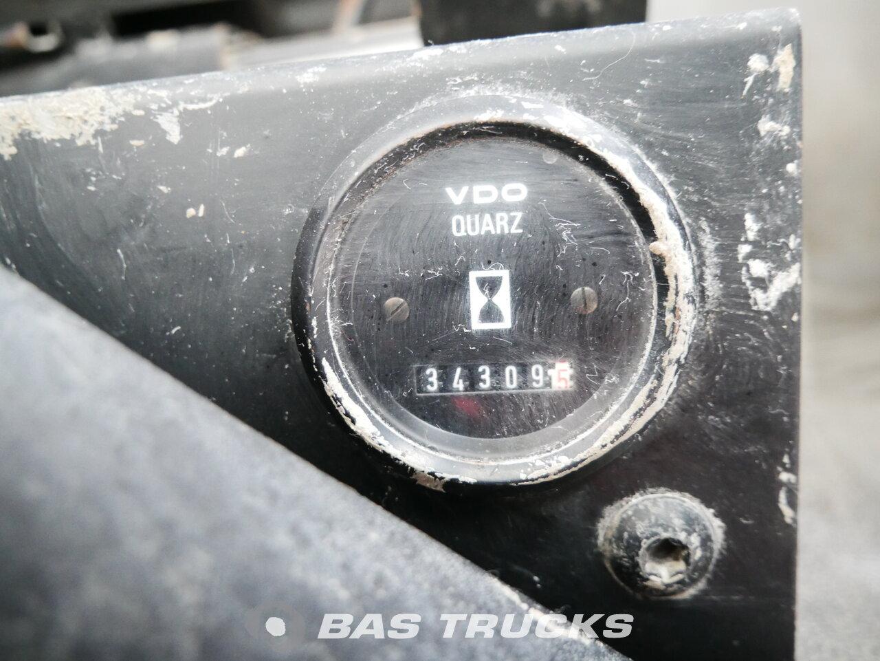 foto de Usado Camiones Renault Kerax 400.40 8X4 2004
