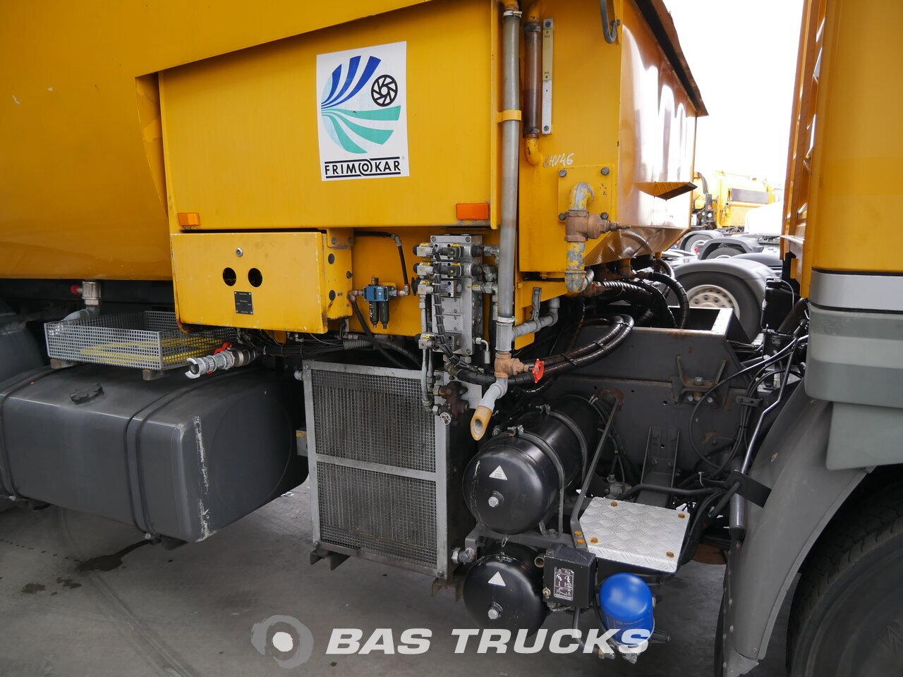 foto de Usado Camiones Renault Runway Cleaner 4X2 1994