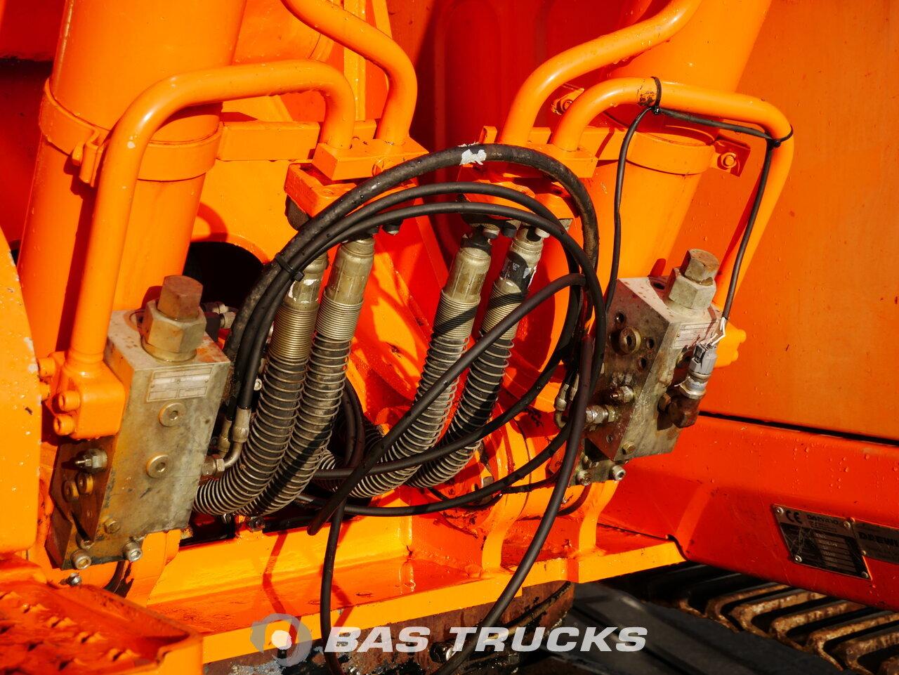 foto de Usado Máquinaria de construcción Daewoo 225 LC- 5 Track 2004