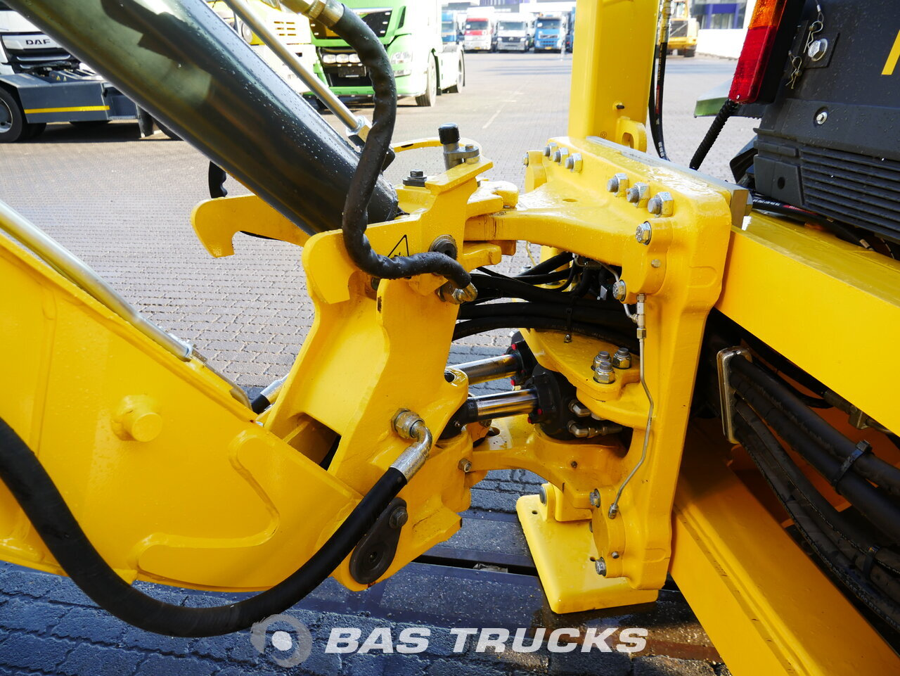 foto de Usado Máquinaria de construcción New Holland B90B 4X4 2018