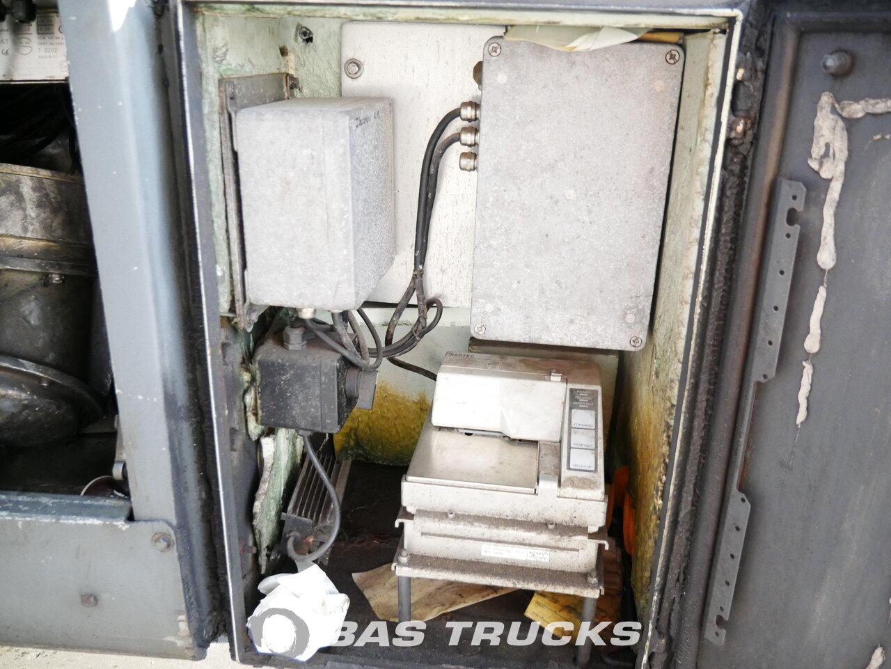 foto de Usado Semirremolque Atcomex 40.000 Ltr / 4 / FUEL-BENZIN-ADR Pumpe T0/27TRI/38AL. Ejes 1996