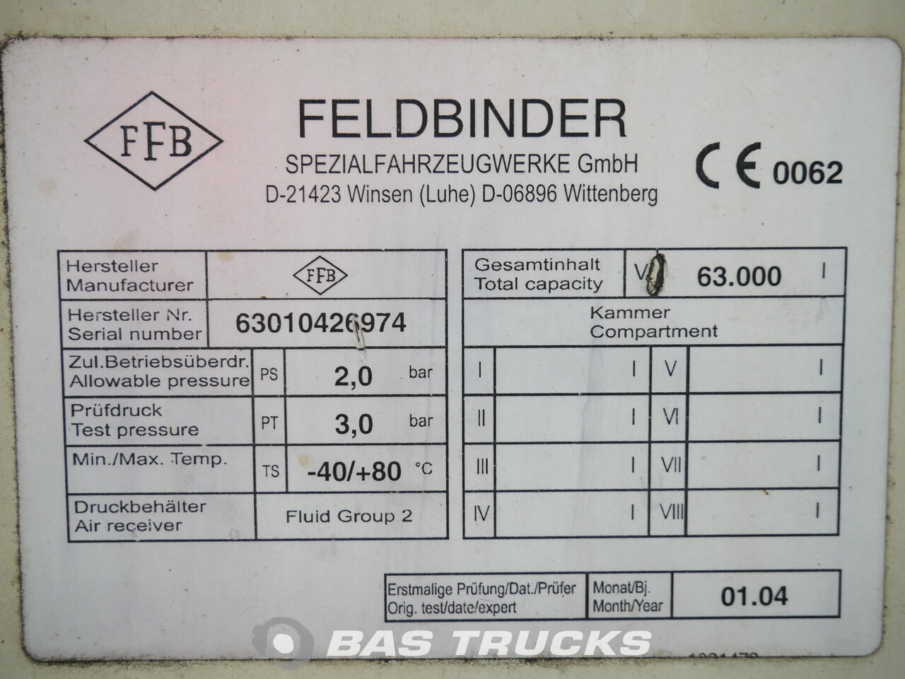 foto de Usado Semirremolque Feldbinder 63.000 Ltr / 1 / Kippanlage KIP 63.3 3 Ejes 2004