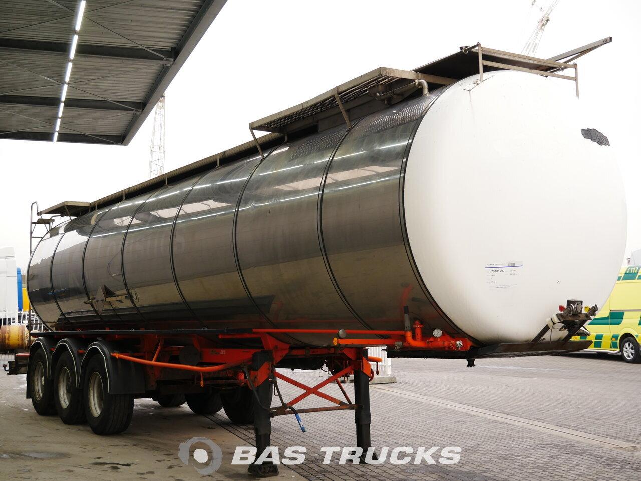 foto de Usado Semirremolque LAG Bitumen ADR 30.000 Ltr / 1 / 0-3-36,5 CN Ejes 1987